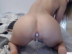 Teenie forces chain plug in loose big ass