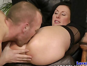 Mature cougar gets mouthful of cum